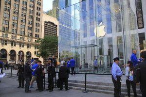 Steve Jobs ble presset ut av Apple, men kom tilbake og gjorde Apple til verdens største selskap. jessicakirsh / Shutterstock.com